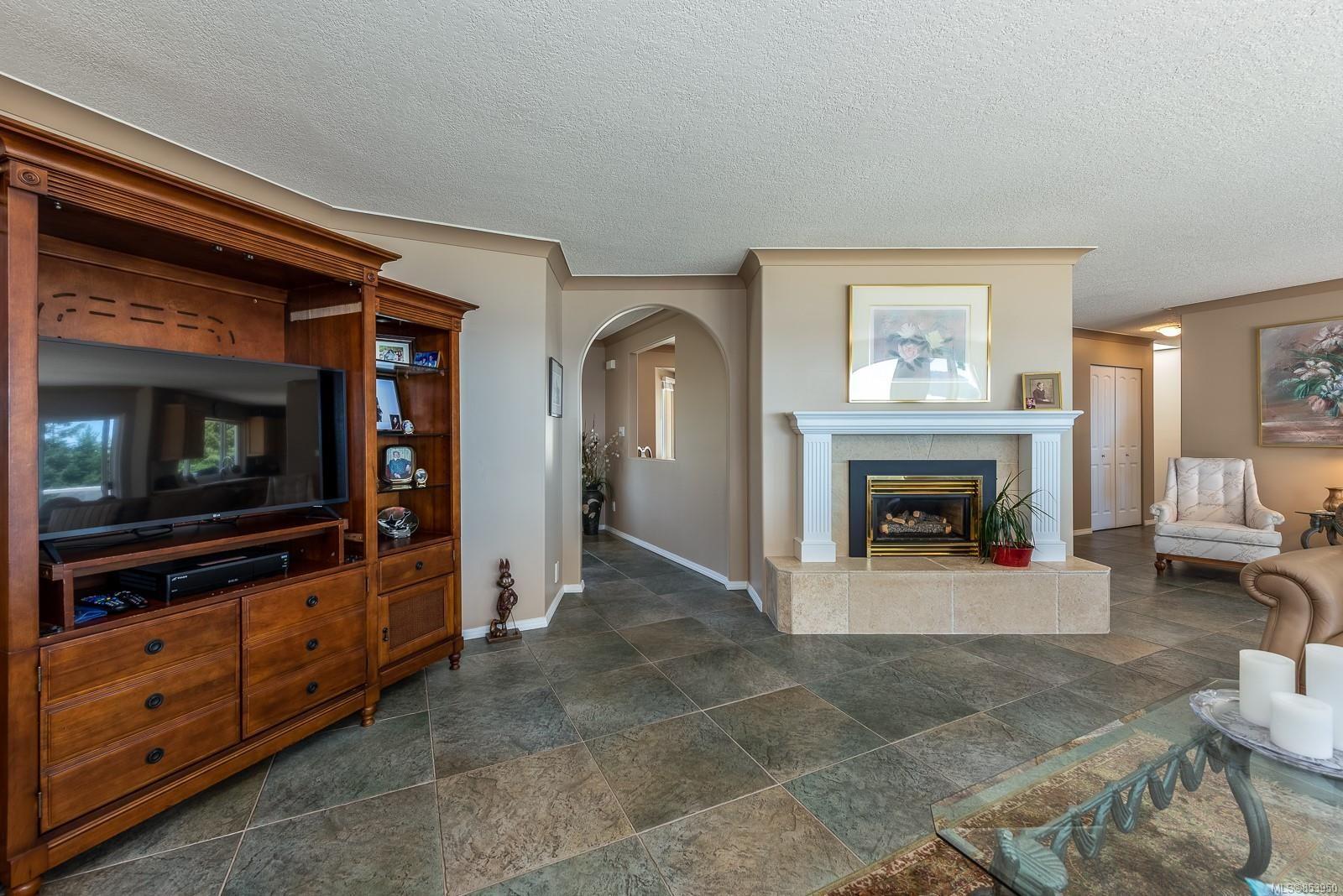 Photo 18: Photos: 5880 GARVIN Rd in : CV Union Bay/Fanny Bay House for sale (Comox Valley)  : MLS®# 853950