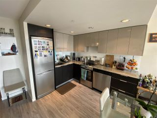 """Photo 3: 1013 445 W 2ND Avenue in Vancouver: False Creek Condo for sale in """"MAYNARD BLOCK"""" (Vancouver West)  : MLS®# R2550291"""