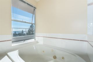 """Photo 16: 2125 LAWSON Avenue in West Vancouver: Dundarave House for sale in """"Dundarave"""" : MLS®# R2329676"""