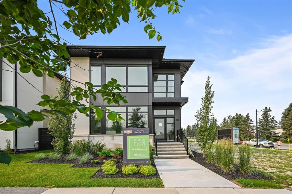 Main Photo: 110 Valour Circle SW in Calgary: Currie Barracks Detached for sale : MLS®# A1131434