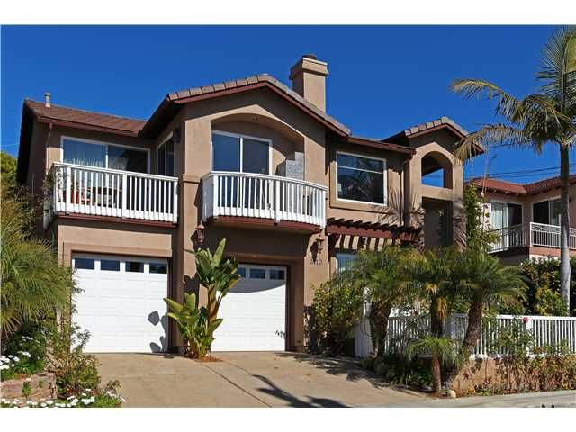 Main Photo: PACIFIC BEACH House for sale : 5 bedrooms : 2410 Geranium in San Diego