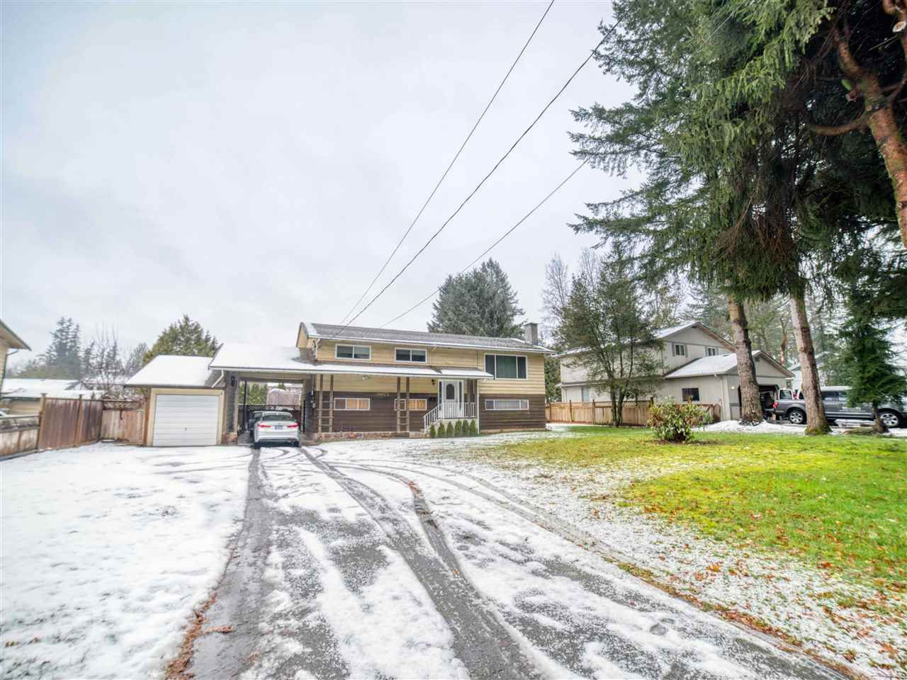 Main Photo: 20073 42 Avenue in Langley: Brookswood Langley House for sale : MLS®# R2538938
