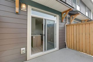 """Photo 16: 43 1188 WILSON Crescent in Squamish: Dentville Townhouse for sale in """"The Current"""" : MLS®# R2259461"""