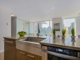 "Photo 12: 1507 535 SMITHE Street in Vancouver: Downtown VW Condo for sale in ""DOLCE AT SYMPHONY PLACE"" (Vancouver West)  : MLS®# R2065193"
