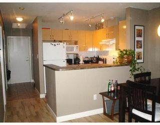 Photo 2: 405 2983 4TH Ave in Vancouver West: Kitsilano Home for sale ()  : MLS®# V797015