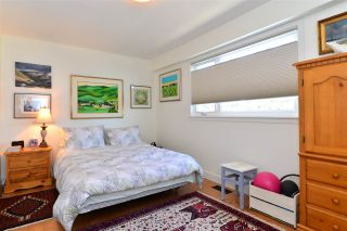 Photo 12: 1215 PARKER Street: White Rock House for sale (South Surrey White Rock)  : MLS®# R2097862