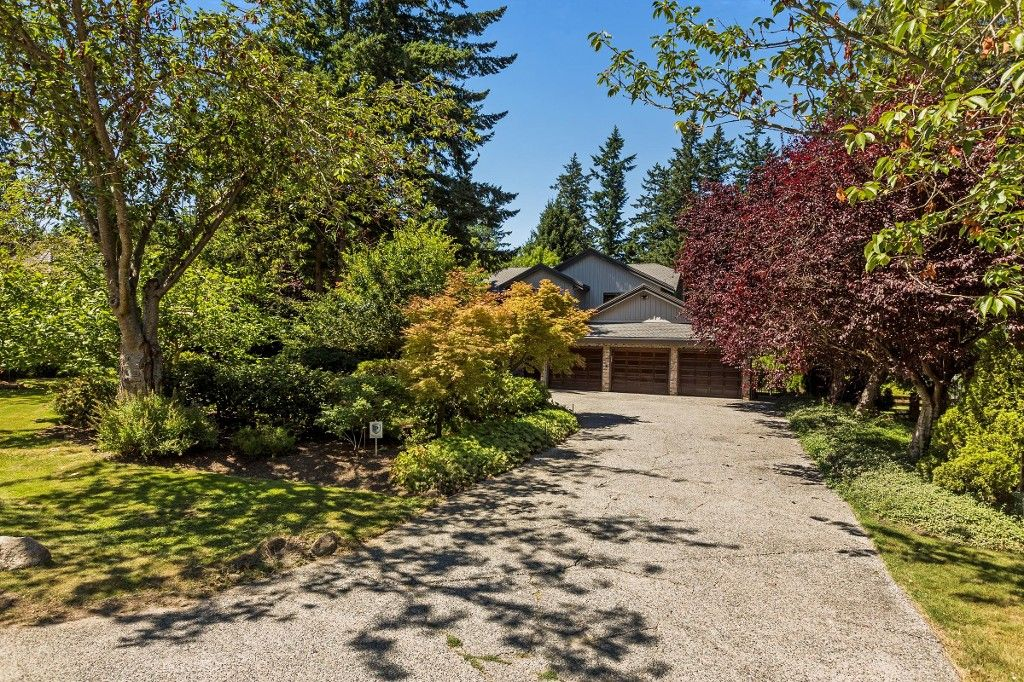 """Main Photo: 2683 NORTHCREST Drive in Surrey: Sunnyside Park Surrey House for sale in """"Woodshire Park"""" (South Surrey White Rock)  : MLS®# R2185453"""
