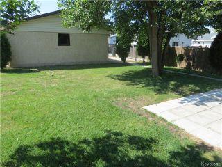 Photo 5: 176 Risbey Crescent in WINNIPEG: Westwood / Crestview Residential for sale (West Winnipeg)  : MLS®# 1323461