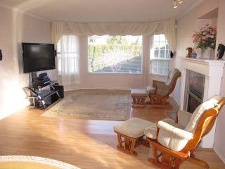 Photo 3: 12131 221 Street in Maple Ridge: West Central 1/2 Duplex for sale : MLS®# R2339405
