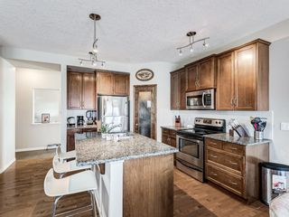 Photo 3: 332c Silvergrove Place NW in Calgary: Silver Springs Detached for sale : MLS®# A1088250