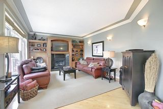 Photo 7: 17 Simcrest Manor SW in Calgary: Signal Hill Detached for sale : MLS®# A1128718