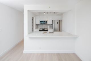 """Photo 10: 1903 1200 ALBERNI Street in Vancouver: West End VW Condo for sale in """"THE PACIFIC PALISADES"""" (Vancouver West)  : MLS®# R2211458"""