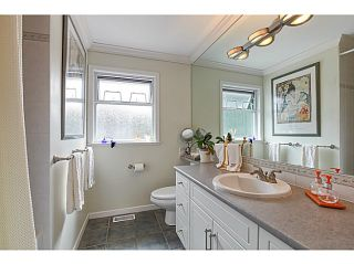 """Photo 16: 1241 MALVERN Place in Tsawwassen: Cliff Drive House for sale in """"CLIFF DRIVE"""" : MLS®# V1140887"""