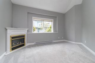 Photo 6: 102 951 Goldstream Ave in : La Langford Proper Row/Townhouse for sale (Langford)  : MLS®# 886212