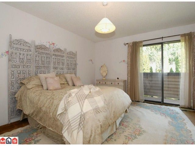 "Photo 6: Photos: 12565 20TH Avenue in Surrey: Crescent Bch Ocean Pk. House for sale in ""OCEAN CLIFF ESTATES"" (South Surrey White Rock)  : MLS®# F1107875"
