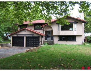 Photo 1: 8922 EDINBURGH Drive in Surrey: Queen Mary Park Surrey House for sale : MLS®# F2918268