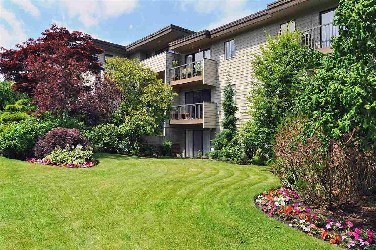Main Photo: 105 2125 W 2ND Avenue in Vancouver: Kitsilano Condo for sale (Vancouver West)  : MLS®# R2333421