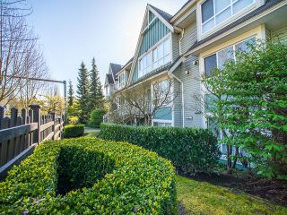 Photo 2: 6788 BERESFORD Street in Burnaby: Highgate Townhouse for sale (Burnaby South)  : MLS®# R2053840