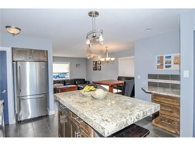 Photo 4: Photos: 1912 GLENWOOD Drive SW in Calgary: Glendale House for sale : MLS®# C4093243
