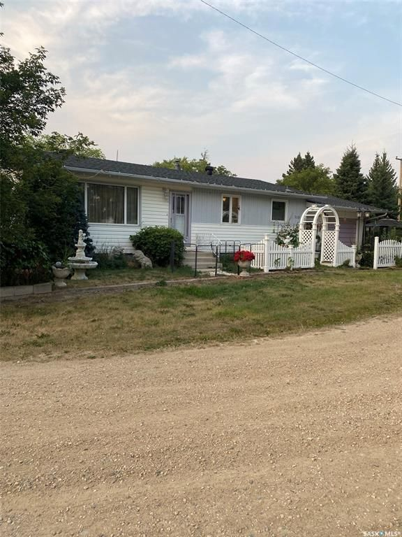 Main Photo: 115 Foster Street in Lintlaw: Residential for sale : MLS®# SK866901