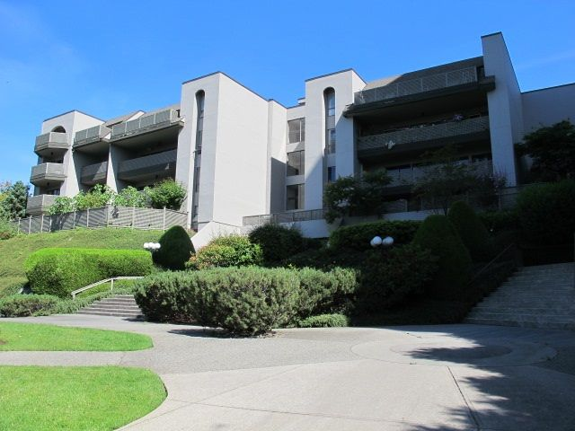 Main Photo: 301 4941 LOUGHEED Highway in Burnaby: Brentwood Park Condo for sale (Burnaby North)  : MLS®# R2077962