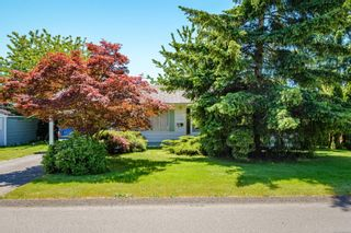 Photo 2: 1817 Fir Ave in : CV Comox (Town of) House for sale (Comox Valley)  : MLS®# 878160