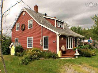 Photo 2: 568 Big Farm Road in Baddeck: 209-Victoria County / Baddeck Residential for sale (Cape Breton)  : MLS®# 202122894