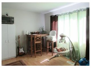 """Photo 5: 10439 100A Street: Taylor Manufactured Home for sale in """"TAYLOR"""" (Fort St. John (Zone 60))  : MLS®# N245044"""
