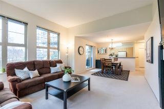 "Photo 8: 411 15220 GUILDFORD Drive in Surrey: Guildford Condo for sale in ""BOULEVARD CLUB"" (North Surrey)  : MLS®# R2540523"