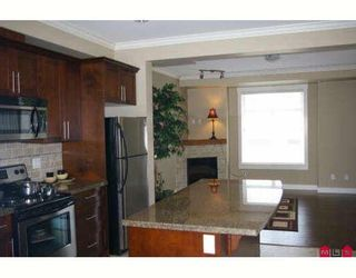 """Photo 9: 17 5623 TESKEY Way in Sardis: Promontory Townhouse for sale in """"WISTERIA HEIGHTS"""" : MLS®# H2902507"""