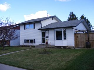 Main Photo: 1156 Penrith Crescent SE in Calgary: Penbrooke Meadows Detached for sale : MLS®# A1106571
