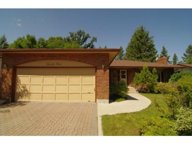 Main Photo: 23 Elmvale Crescent in WINNIPEG: Charleswood Residential for sale (South Winnipeg)  : MLS®# 1115426