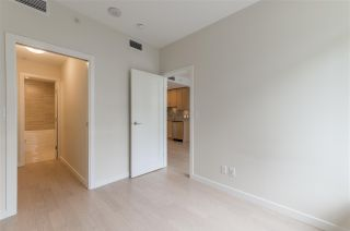 """Photo 10: 318 38 W 1ST Avenue in Vancouver: False Creek Condo for sale in """"THE ONE"""" (Vancouver West)  : MLS®# R2576246"""
