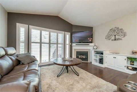 Photo 2: Photos: 53 N Lady May Drive in Whitby: Rolling Acres House (Bungaloft) for sale : MLS®# E3206710