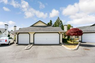 Photo 3: 37 19649 53 AVENUE in Langley: Langley City Townhouse for sale : MLS®# R2482903