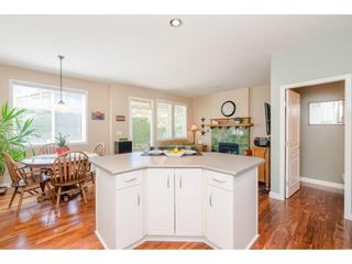 """Photo 8: 6 6177 169 Street in Surrey: Cloverdale BC Townhouse for sale in """"Northview Walk"""" (Cloverdale)  : MLS®# R2364005"""