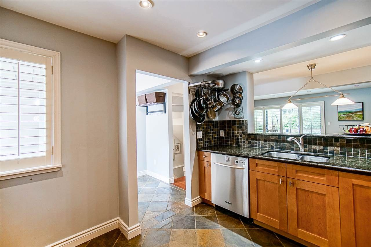"""Photo 12: Photos: 1 1960 RUFUS Drive in North Vancouver: Westlynn Townhouse for sale in """"Mountain Estates"""" : MLS®# R2487288"""