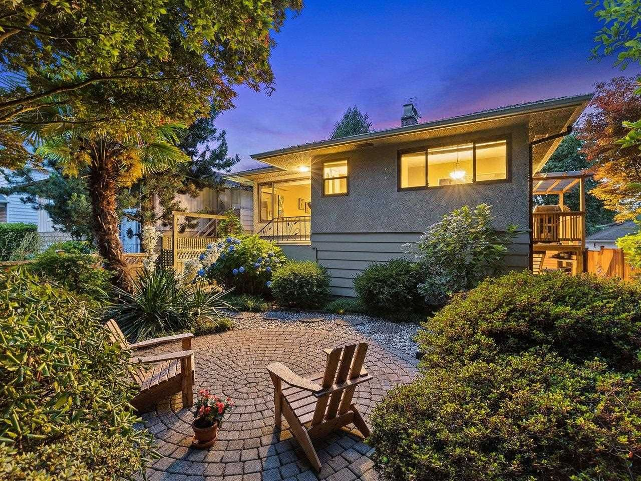 Main Photo: 1721 MAHON Avenue in North Vancouver: Central Lonsdale House for sale : MLS®# R2601176