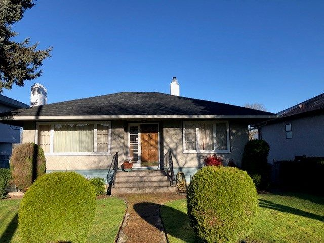 "Main Photo: 2481 E 22ND Avenue in Vancouver: Renfrew Heights House for sale in ""Renfrew Heights"" (Vancouver East)  : MLS®# R2543982"