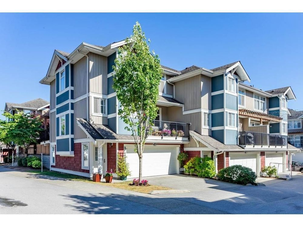 Main Photo: 32 6036 164 STREET in Cloverdale: Cloverdale BC Home for sale ()  : MLS®# R2480531
