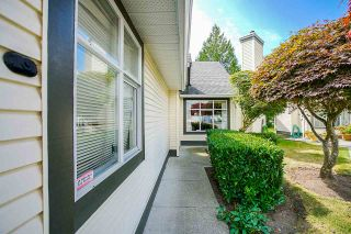 Photo 4: 37 19649 53 AVENUE in Langley: Langley City Townhouse for sale : MLS®# R2482903
