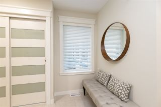 """Photo 3: 8 5550 LANGLEY Bypass in Langley: Langley City Townhouse for sale in """"RIVERWYNDE"""" : MLS®# R2565492"""