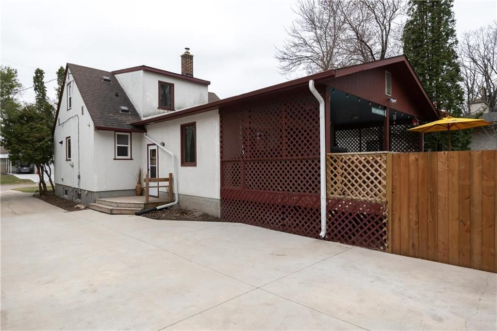 Photo 24: Photos: 145 Woodlawn Avenue in Winnipeg: Residential for sale (2C)  : MLS®# 202110539