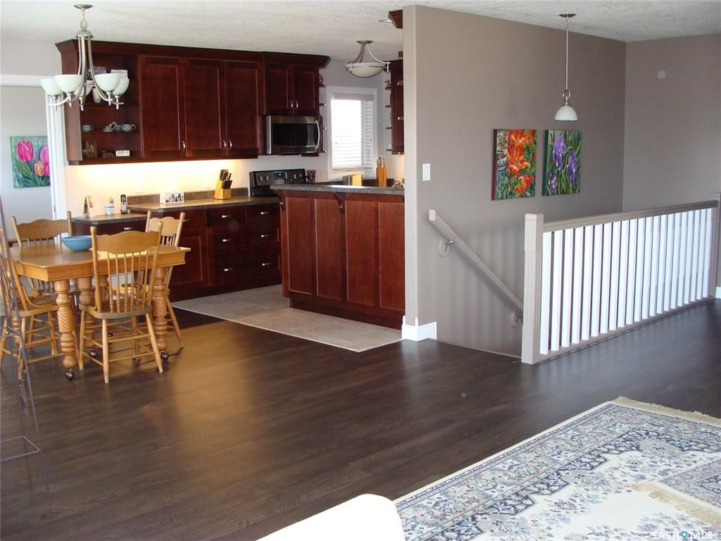 Photo 9: Photos: 601 4th Street West in Watrous: Residential for sale : MLS®# SK833946