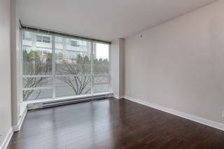 Photo 4: 502 2968 GLEN DRIVE in Coquitlam: North Coquitlam Condo for sale : MLS®# R2440848