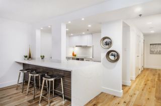 """Photo 6: 903 238 ALVIN NAROD Mews in Vancouver: Yaletown Condo for sale in """"Pacific Plaza"""" (Vancouver West)  : MLS®# R2345160"""