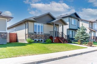 Photo 2: 926 Glenview Cove in Martensville: Residential for sale : MLS®# SK863344