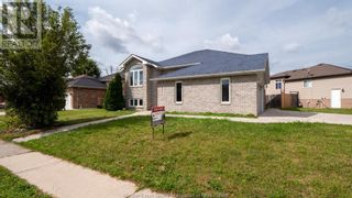 Photo 3: 2091 ROCKPORT in Windsor: House for sale : MLS®# 21017617
