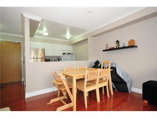 """Photo 2: 307 1060 E BROADWAY in Vancouver: Mount Pleasant VE Condo for sale in """"MARINER MEWS"""" (Vancouver East)  : MLS®# V856791"""