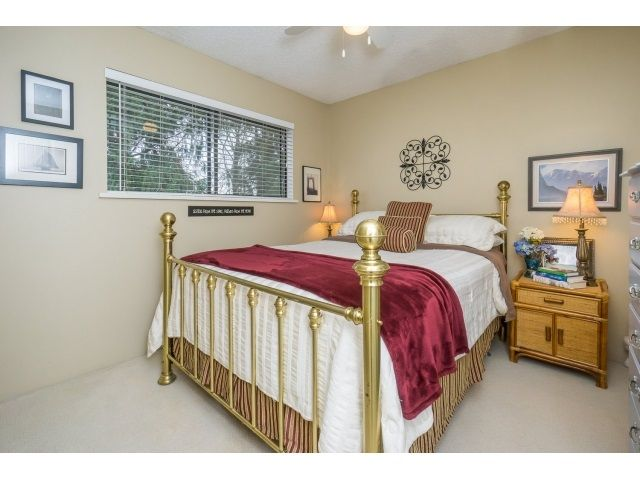 Photo 17: Photos: 5926 183 Street in Surrey: Cloverdale BC House for sale : MLS®# R2028252